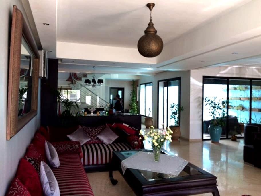 Superbe villa High Tech avec piscine couverte - Casablanca - Villa