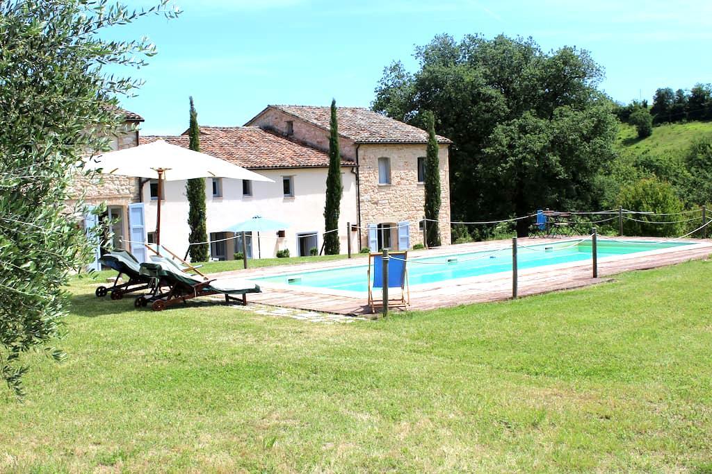 Beautiful countryhouse, Arcevia, Marche - San Ginesio - Dům