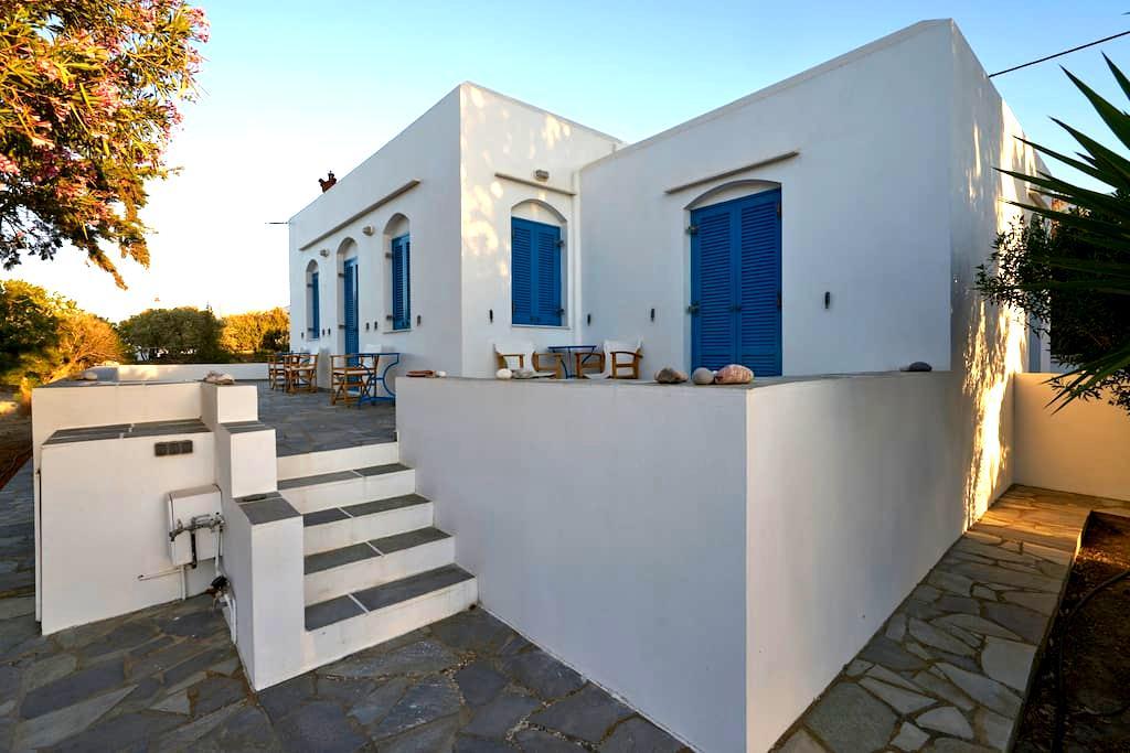 Guest Room in Exambela Sifnos - Kato Petali - House