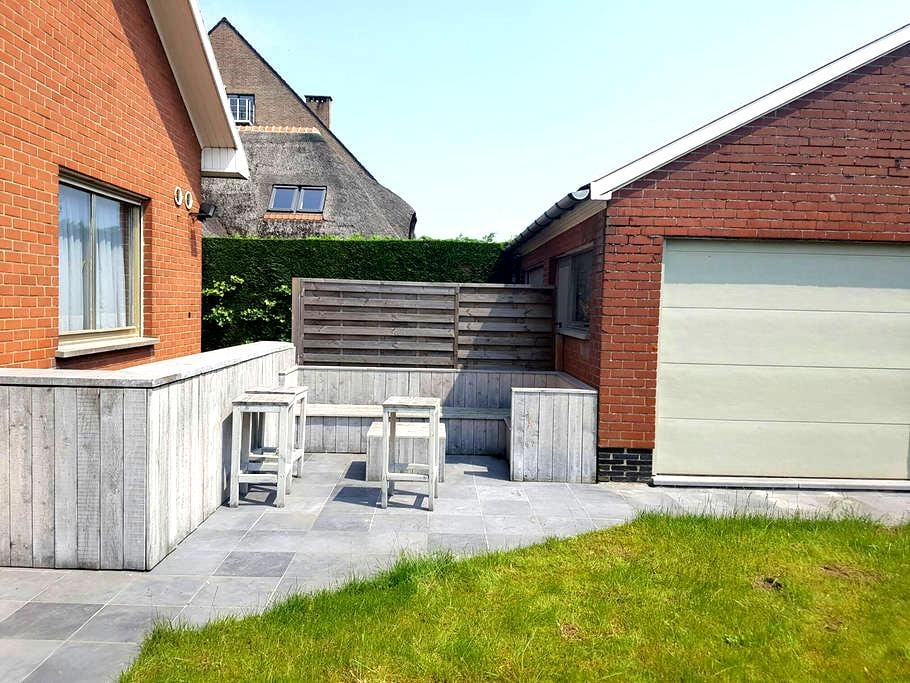 Comfortable room with private bathroom - Harelbeke - Villa