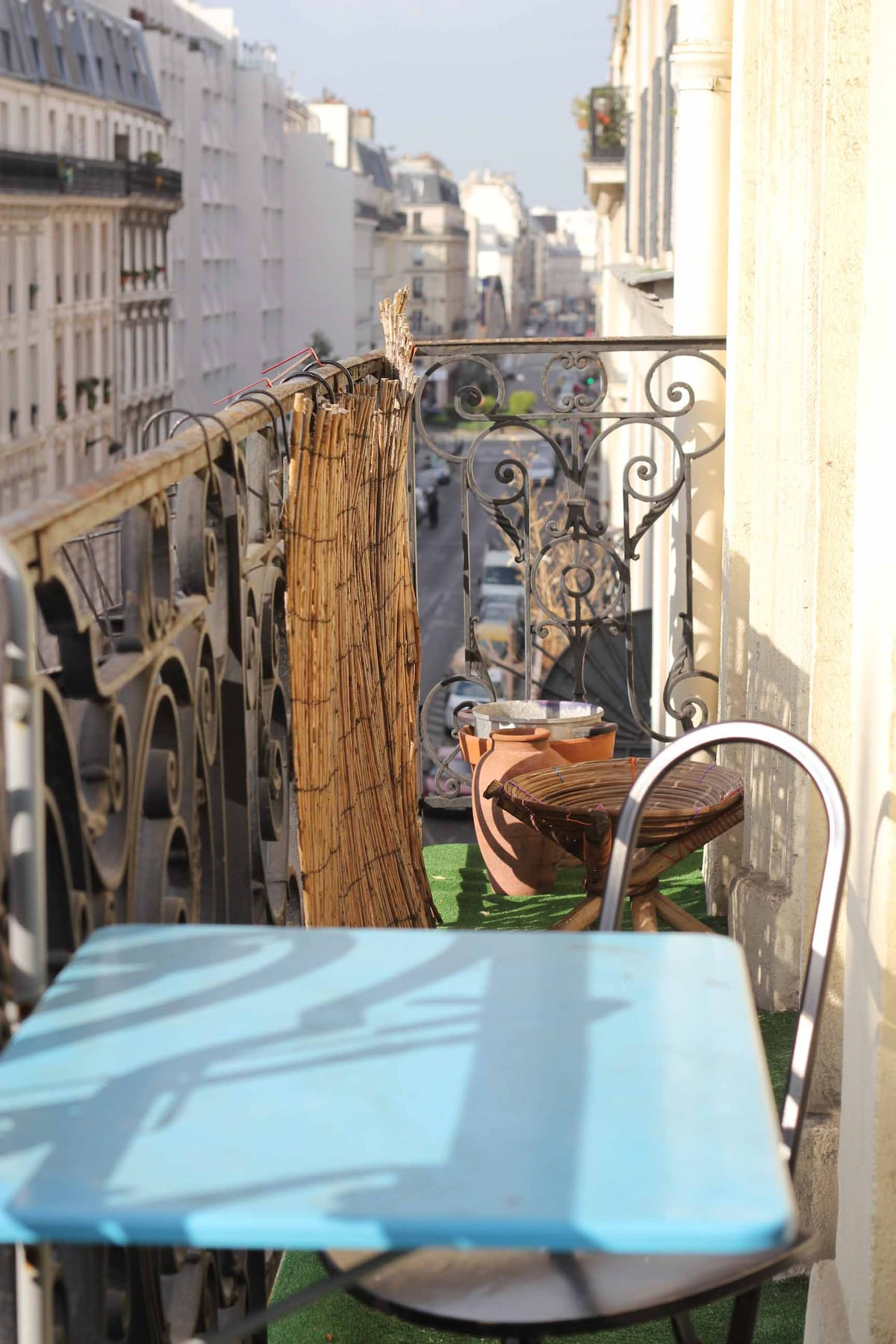 Cosy flat, Paris center, by canal
