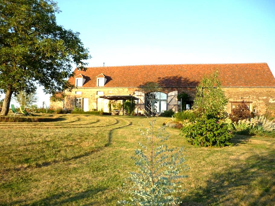 Renovated Barn B&B accommodation - Thoste - Bed & Breakfast