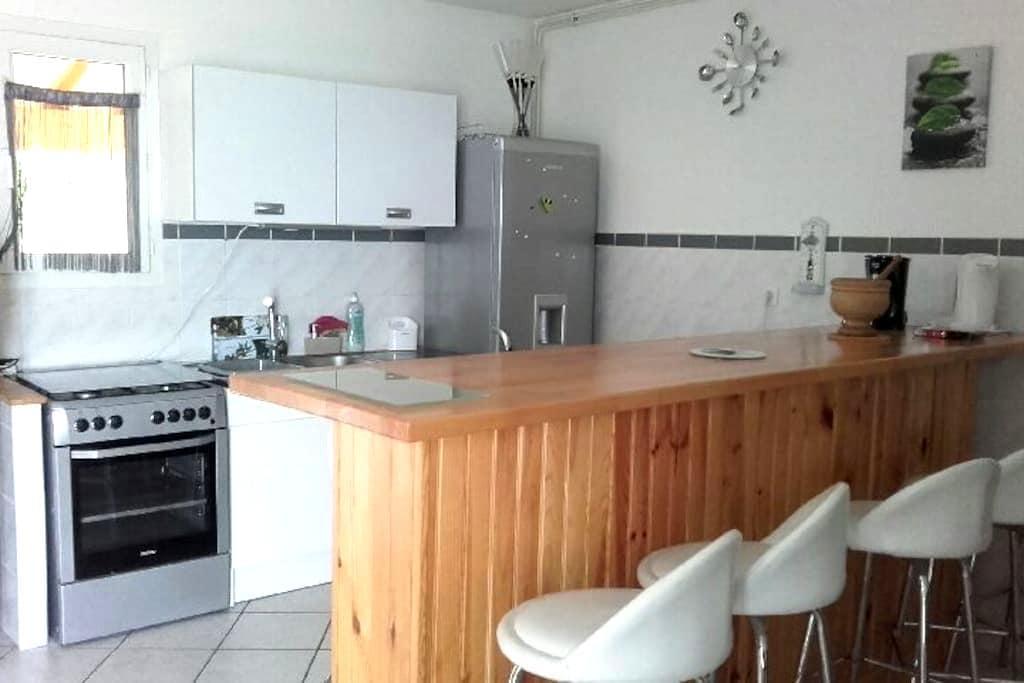 gites / logement entier - Toussieux - Huis