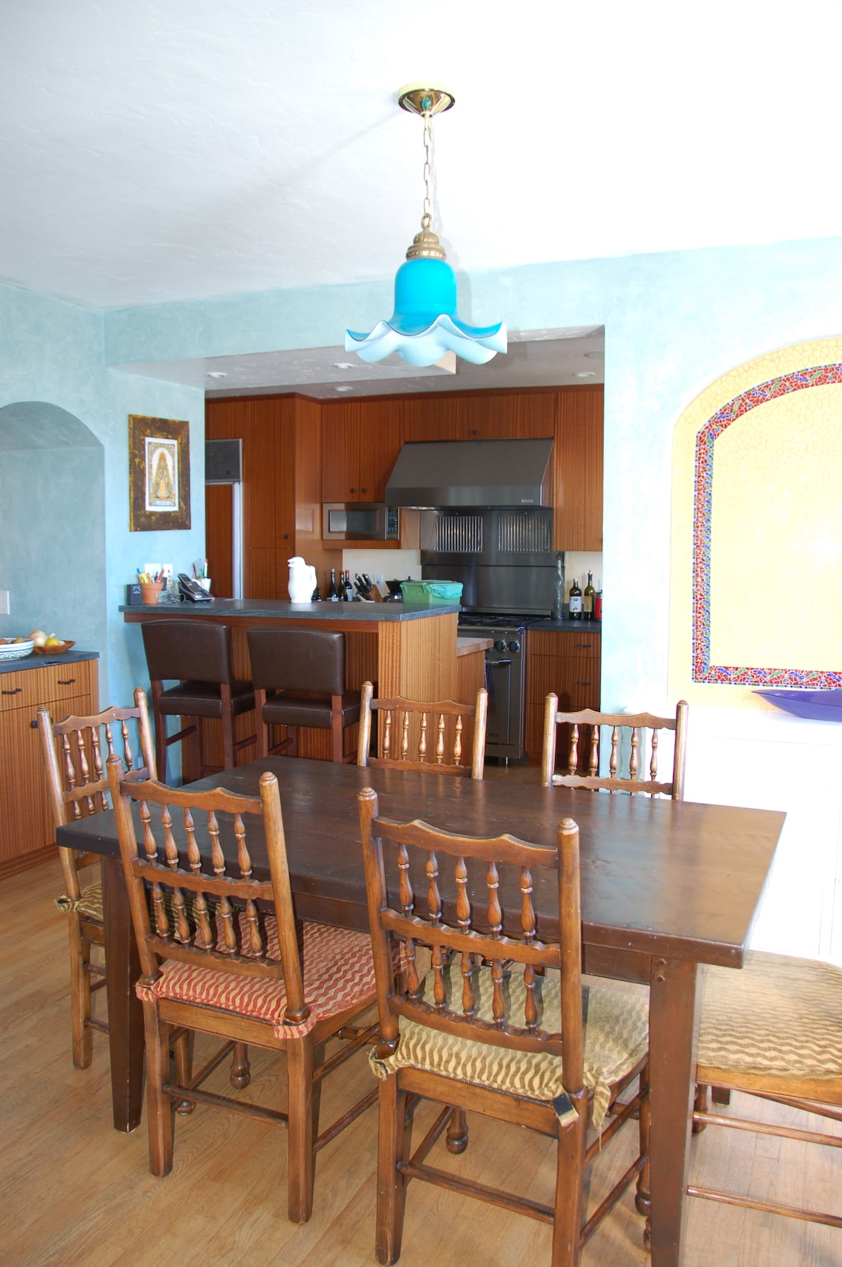 Dining Room attached to Kitchen