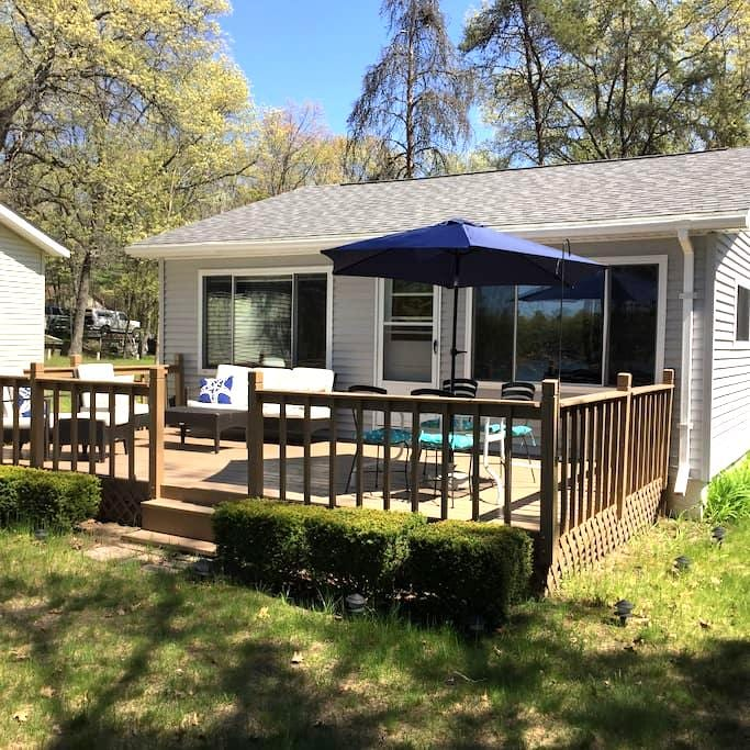 Family Friendly Lakehouse - National City - Maison