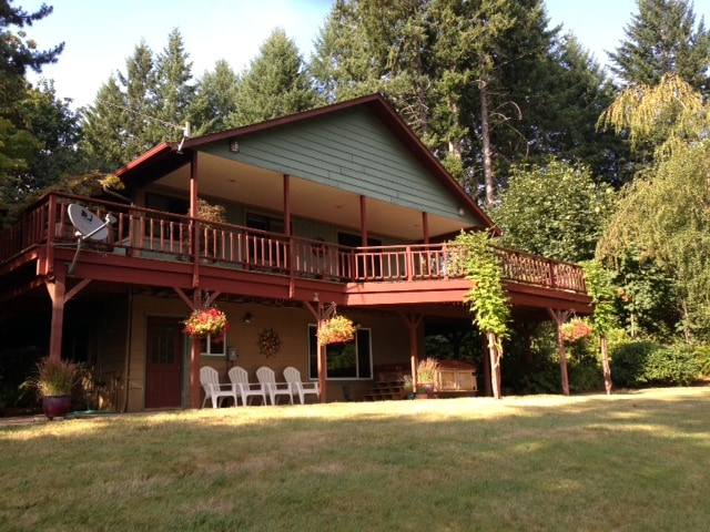 Willis Road Wayside is located just 15 minutes outside of historic McMinnville in beautiful wine country.