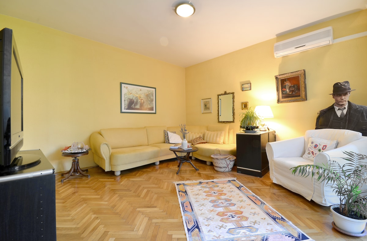 Cosy room in Rijeka, by  the beach