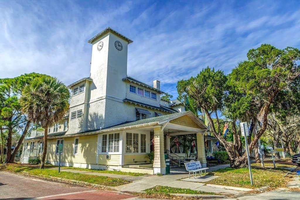 The Historic Peninsula Inn - Gulfport - Wikt i opierunek