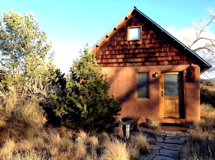 Adobe casita, secluded and serene - Albuquerque - Pensió