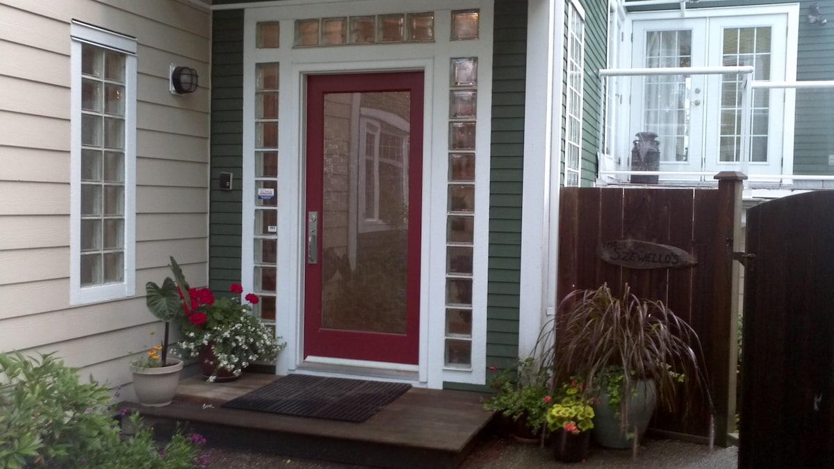 Helen's Executive Home
