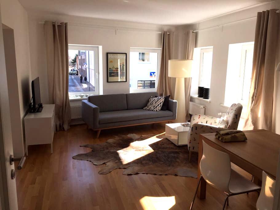 Geschmackvolle 65m Wohnung in Husum - Husum - Apartamento
