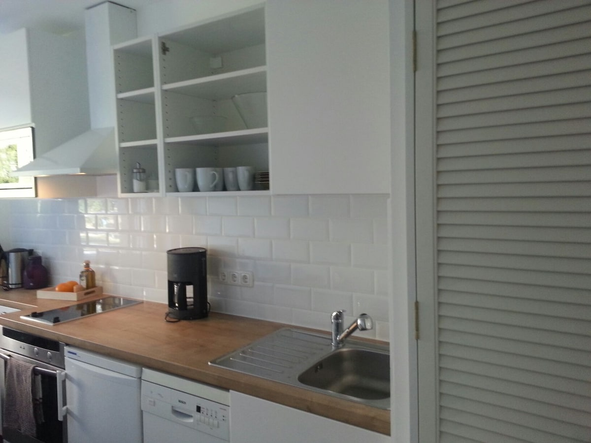 Lovely private 1(2)-room appartment