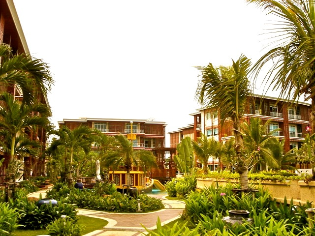 "HuaHin ""The Sea Side"" Beach Condo"