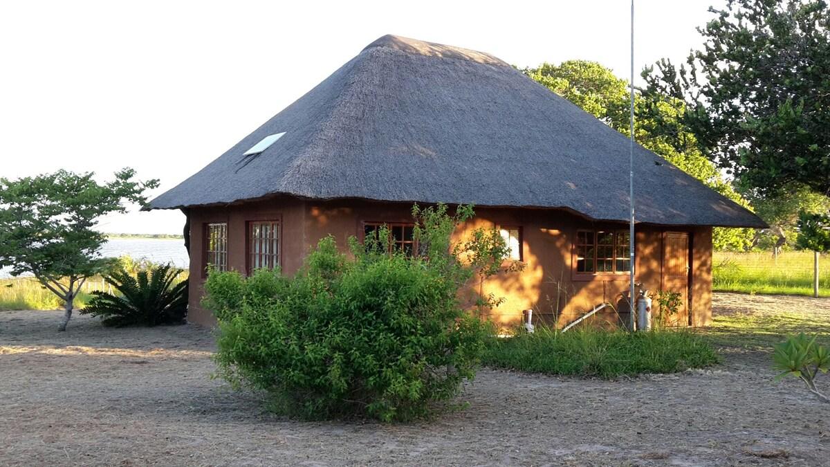 Cottage on Lake Shengeza, Kosi Bay