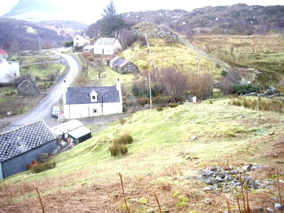 authentic croft house with garden - Nedd