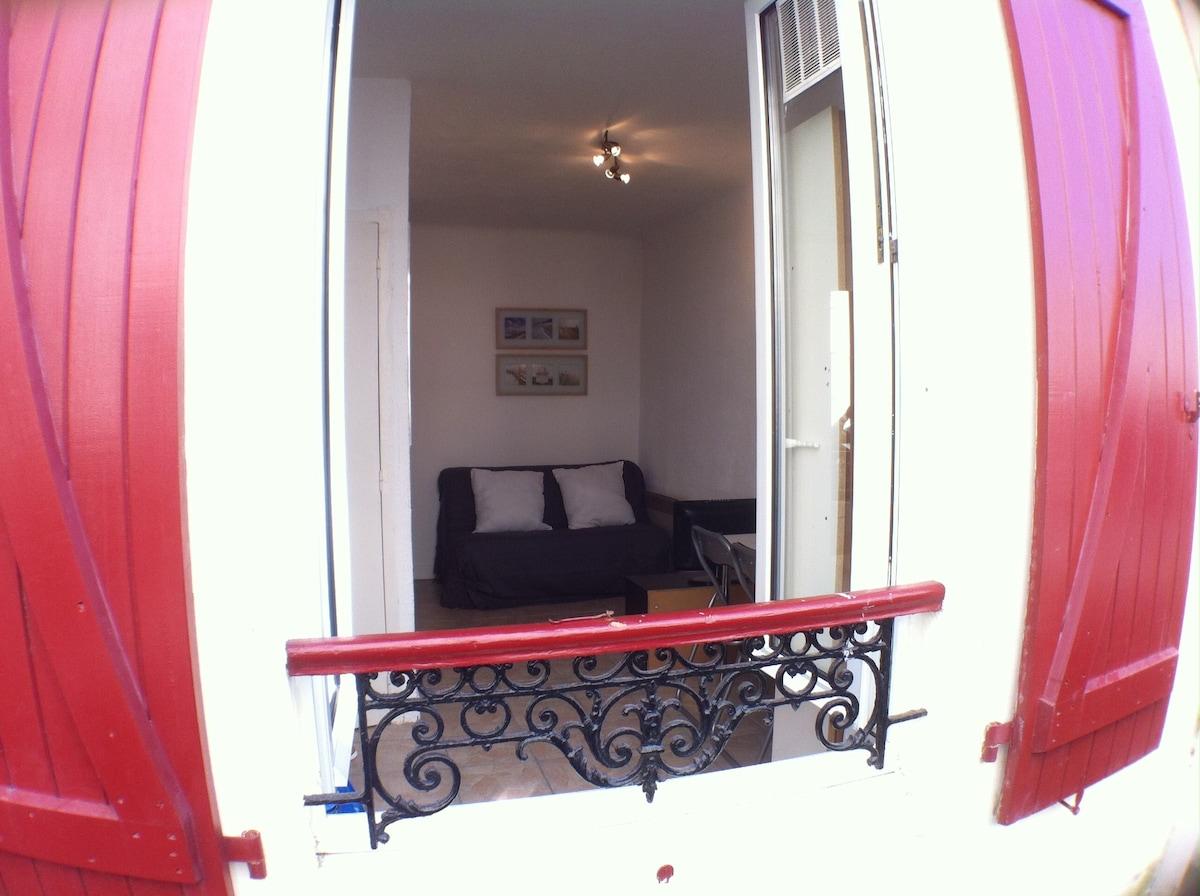Le Petit Studio (SEMANAS/MESES)