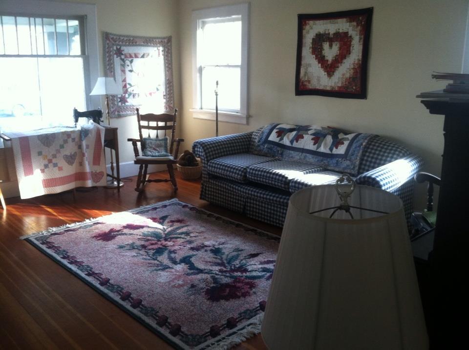 Simple room in craftsman home