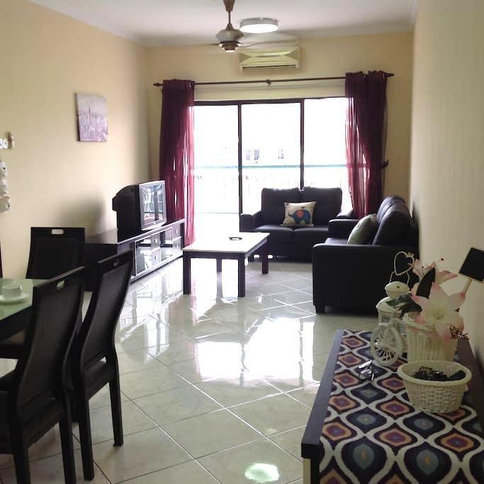 Condo in City of Kota Kinabalu-Marina Court溫馨家庭式公寓 - Kota Kinabalu - Apartemen