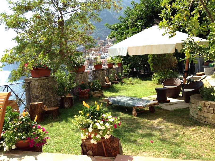 Nice overlooking house with garden - Positano - Dom