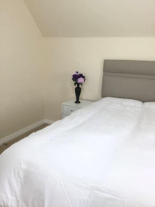 A Spacious Double Room in Newly Built Detach House - Truro - Casa