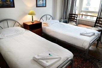Twin Room-5 mins from Train Station
