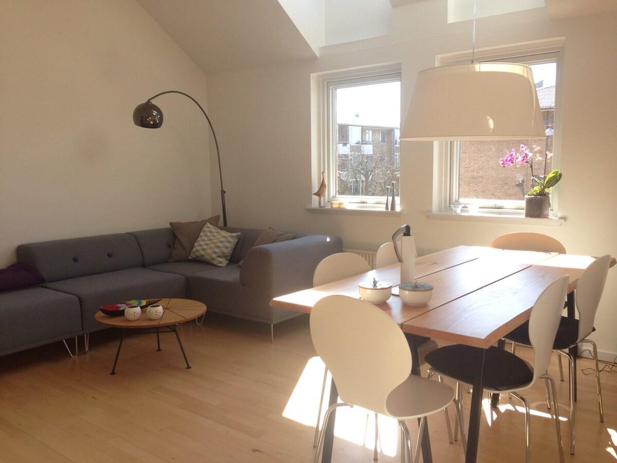 Bright apartment & perfect location