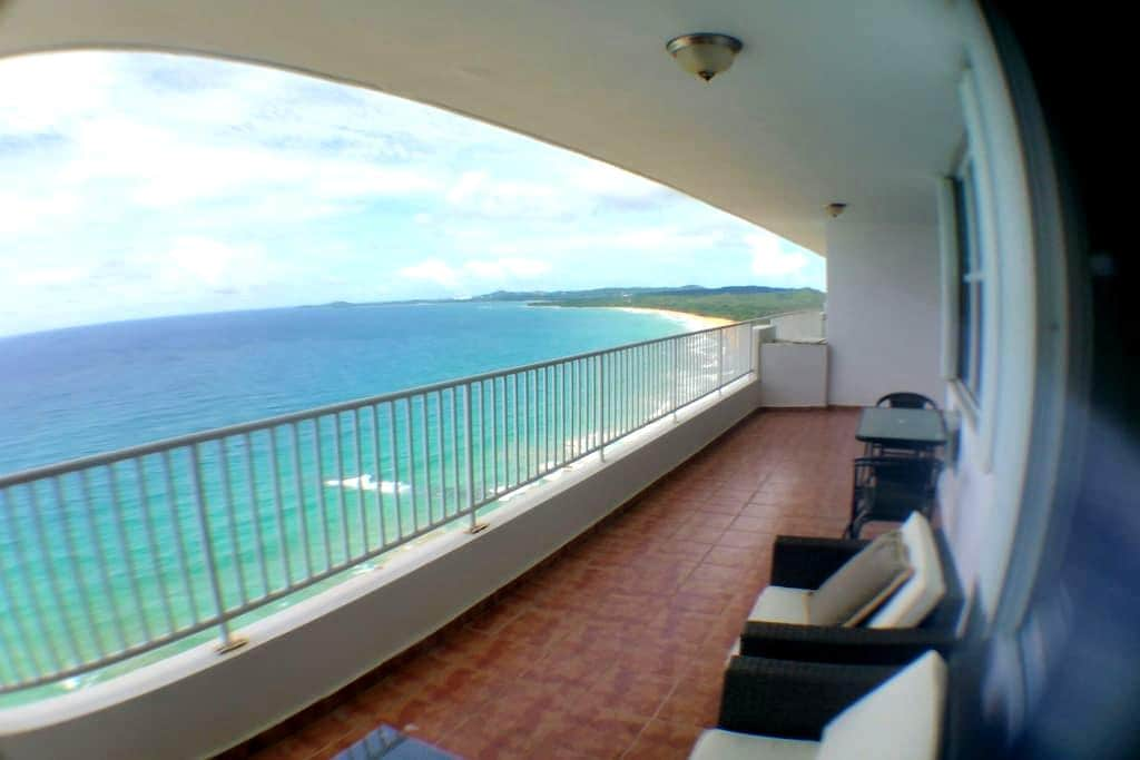 AMAZING BEACH FRONT! PENTHOUSE - Luquillo - Appartement