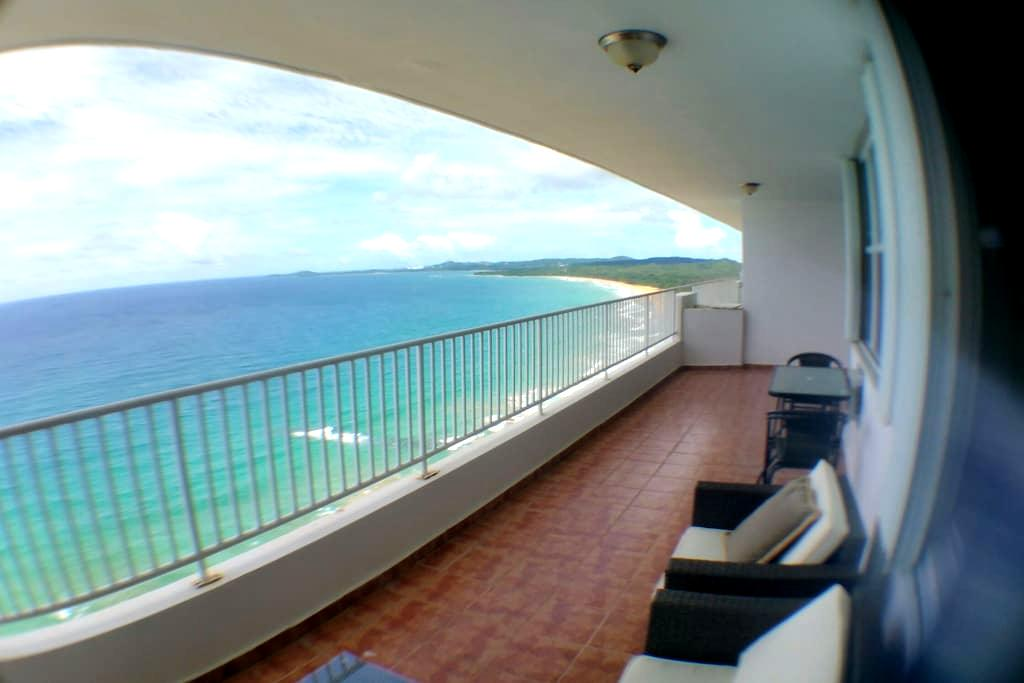 AMAZING BEACH FRONT! PENTHOUSE - Luquillo - อพาร์ทเมนท์