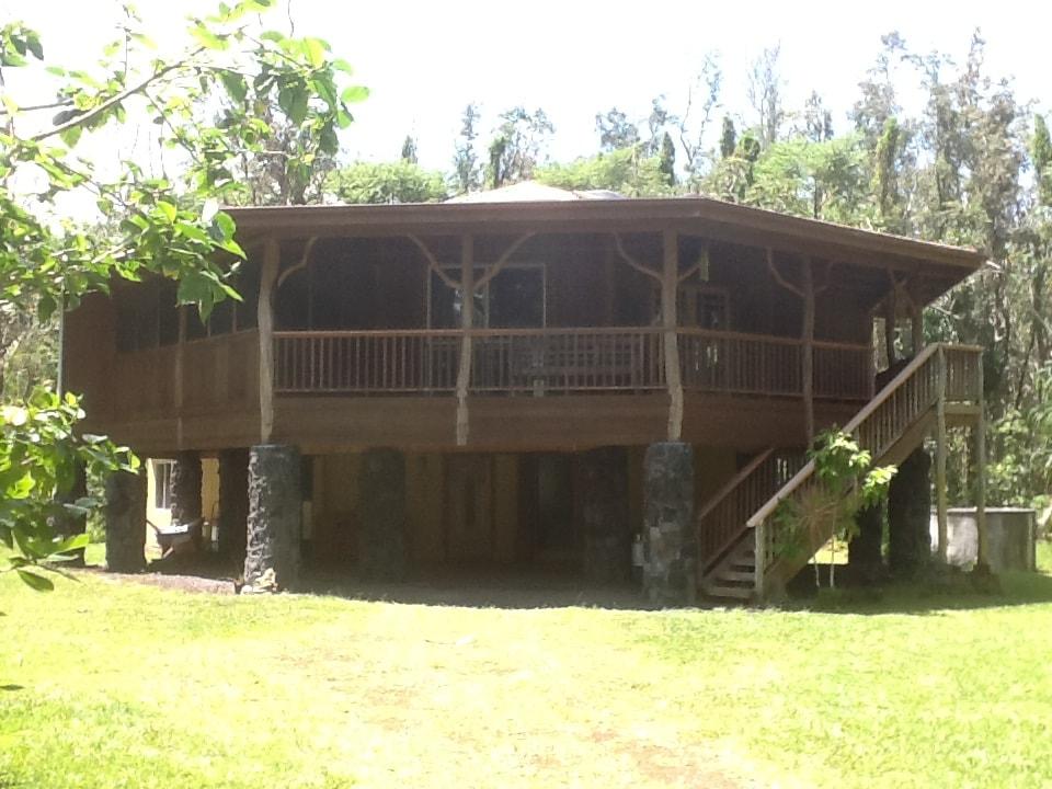 Rainforest Retreat-Hawk's Nest
