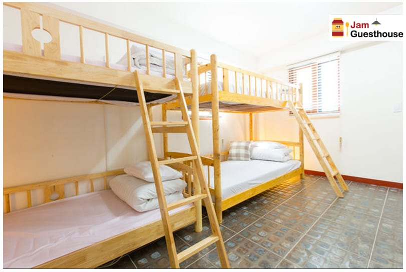 8 beds domitory room bed 4