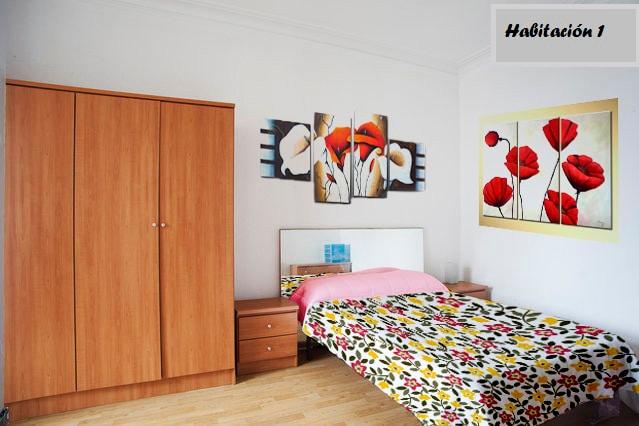 Lovely room in the center of Bcn