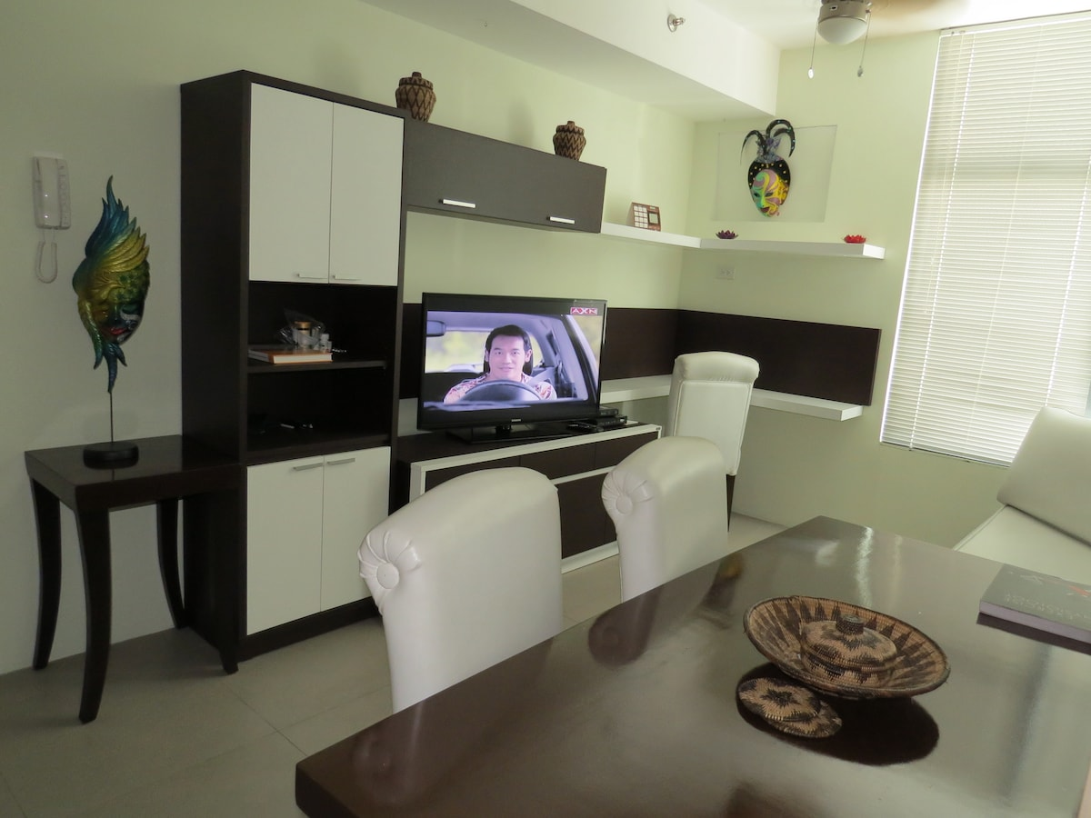 1 Bed Apartment in Heart of Makati