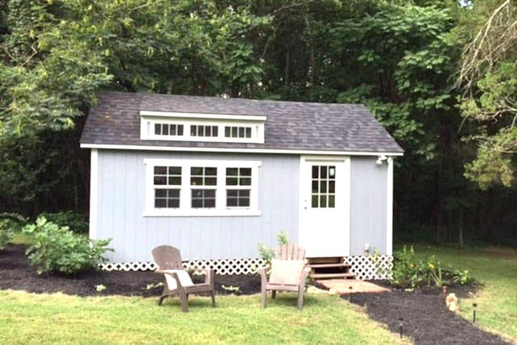 Poly Tavern Farm Tiny Guest House - Pleasant Garden - Chalet