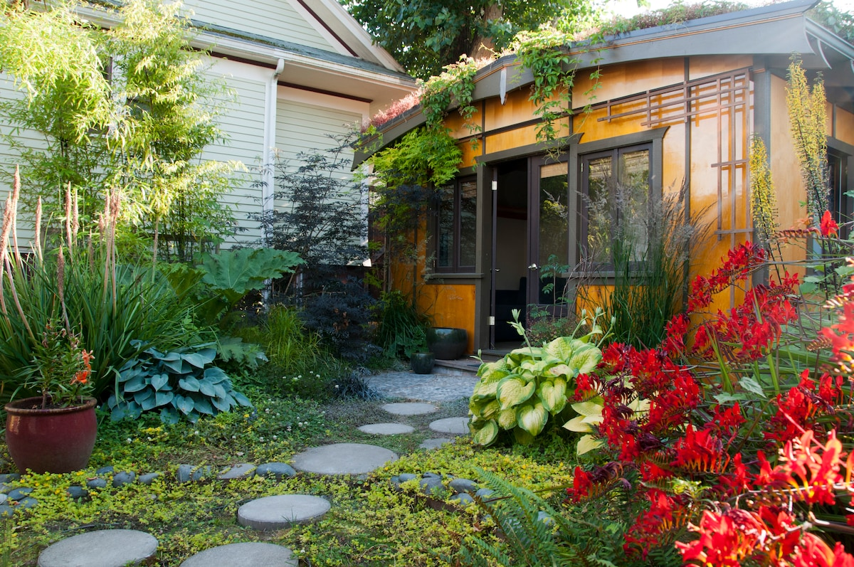 Garden Oasis Guest House Cabins for Rent in Portland Oregon