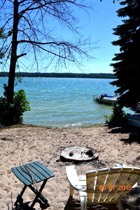 Cozy Cottage on beautiful Lake Leelanau - Lake Leelanau