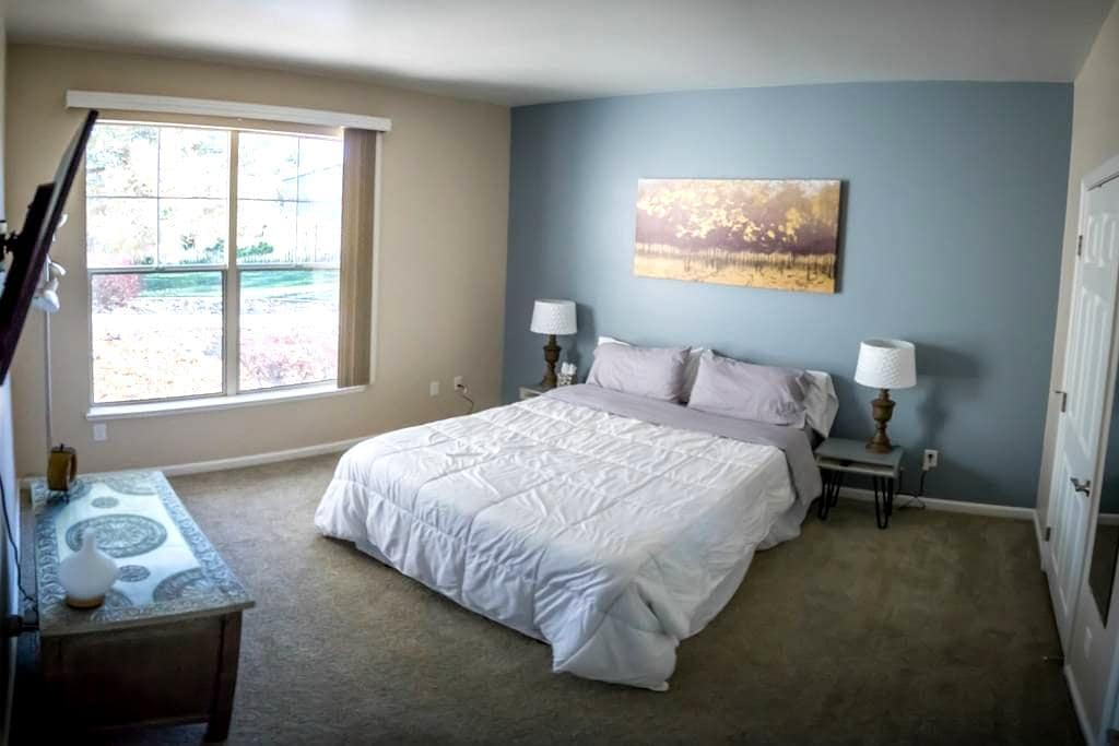 Lake View Apartment - Reno - Apartamento