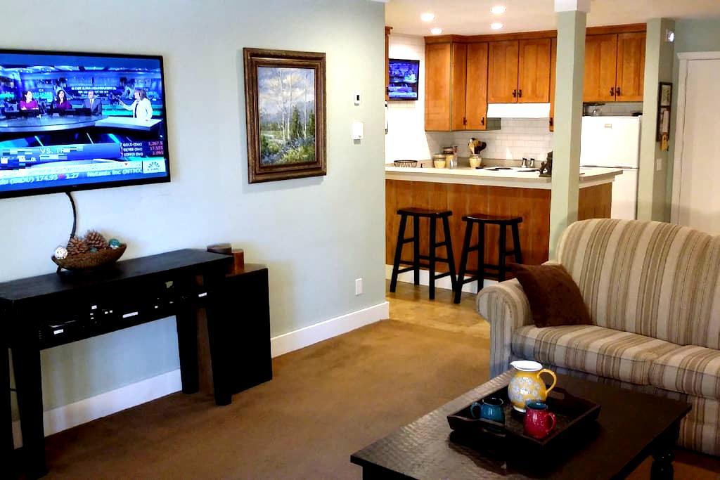 Steps to Eagle Ski Lodge - The Summit Condos #E-7 - Mammoth Lakes
