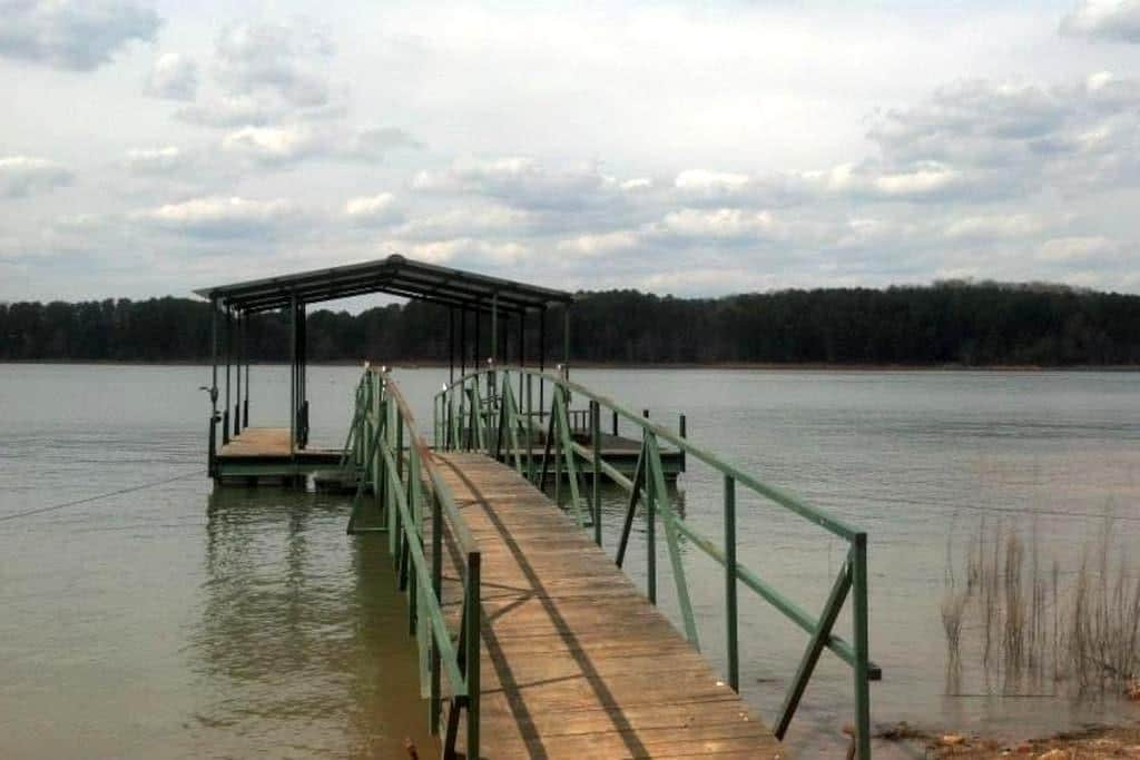 Beautiful 3 BR 2.5 BA Lake Home - Toccoa - Dom