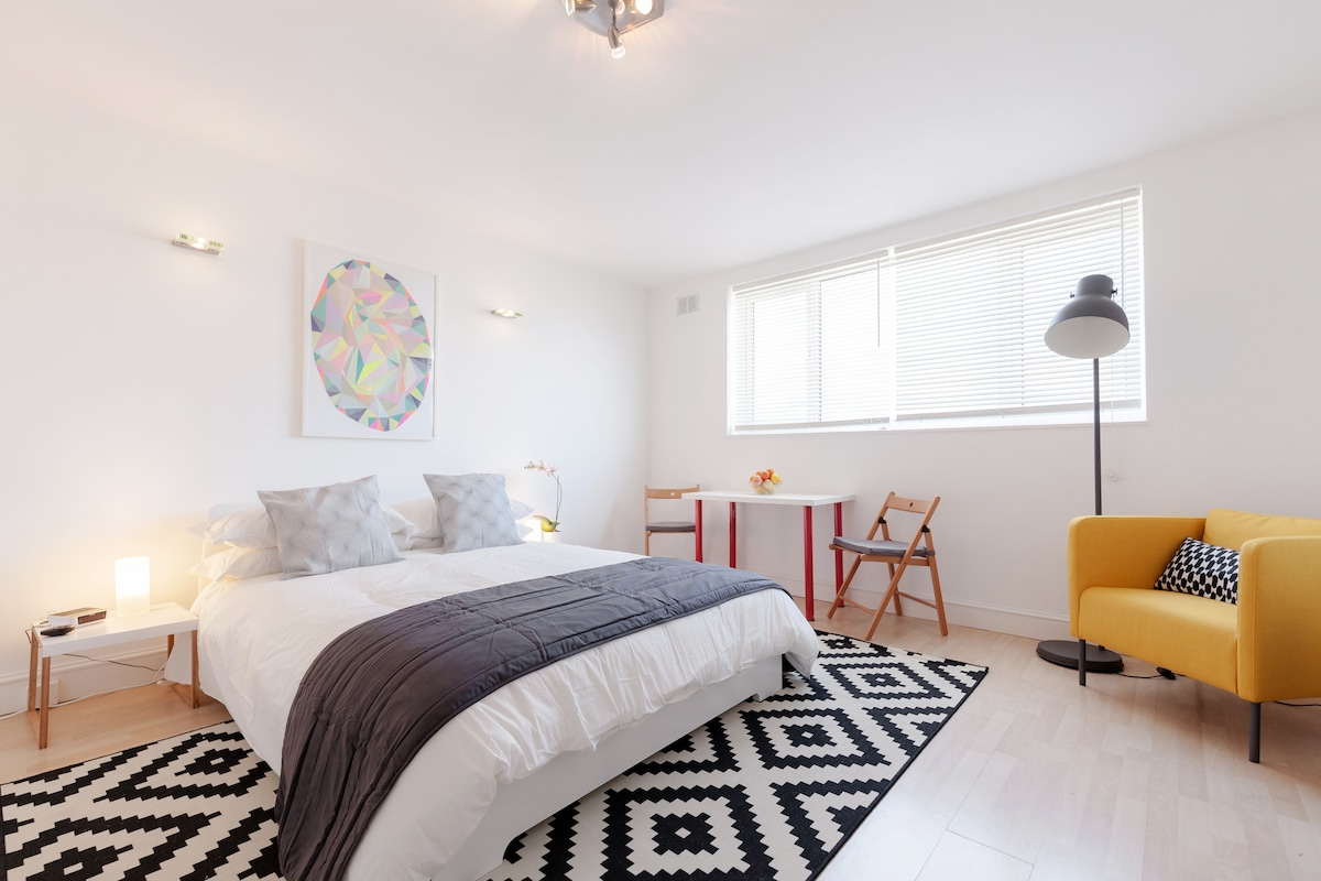 Stylish studio apartment in Fulham