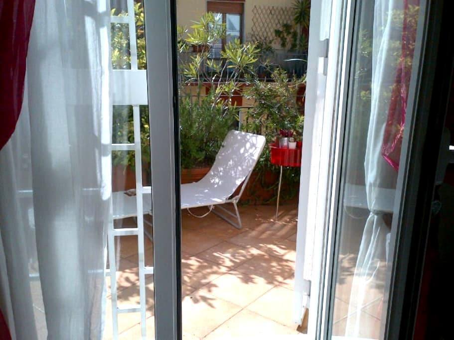 Cute room penthouse + private bathr - Bari