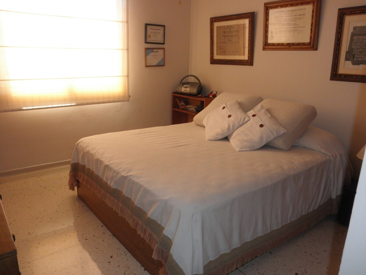 Habitacion, cama doble, AA