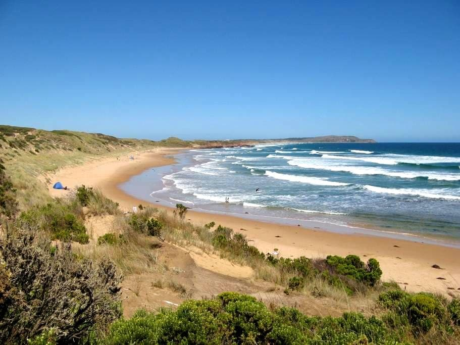 Relax @ Max's! 300m to beach! Book now for MotoGP! - Phillip Island - House