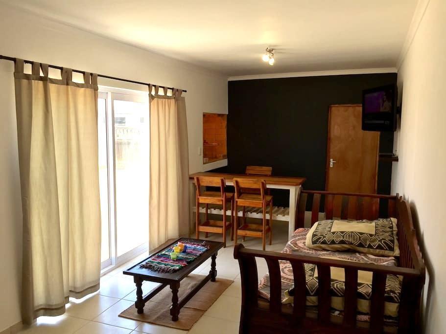 Spacious 1 Bedroom Apartment - Walvis Bay - Appartement