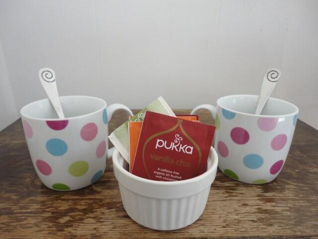 Herbal teas in guest room
