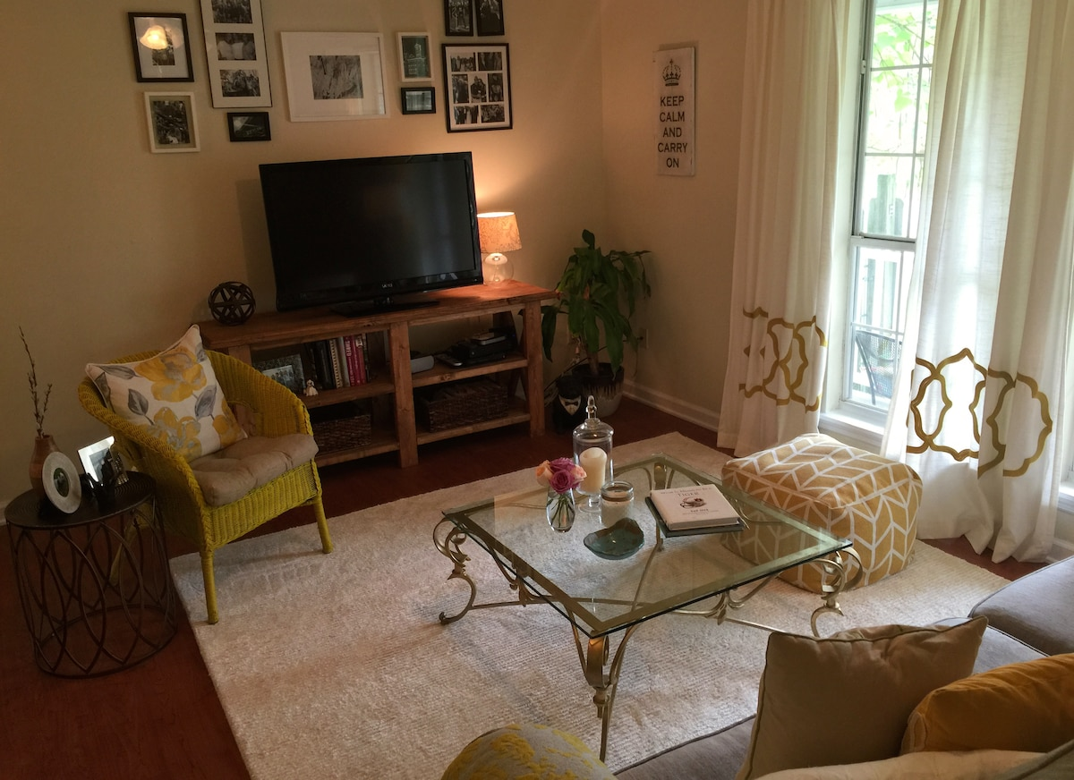 Cute home 1/2 mile from downtown!