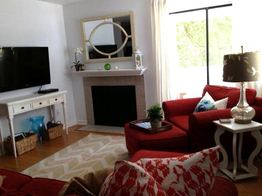 1 BD/1 BA close to Downtown w/Pool - Mount Pleasant - Wohnung