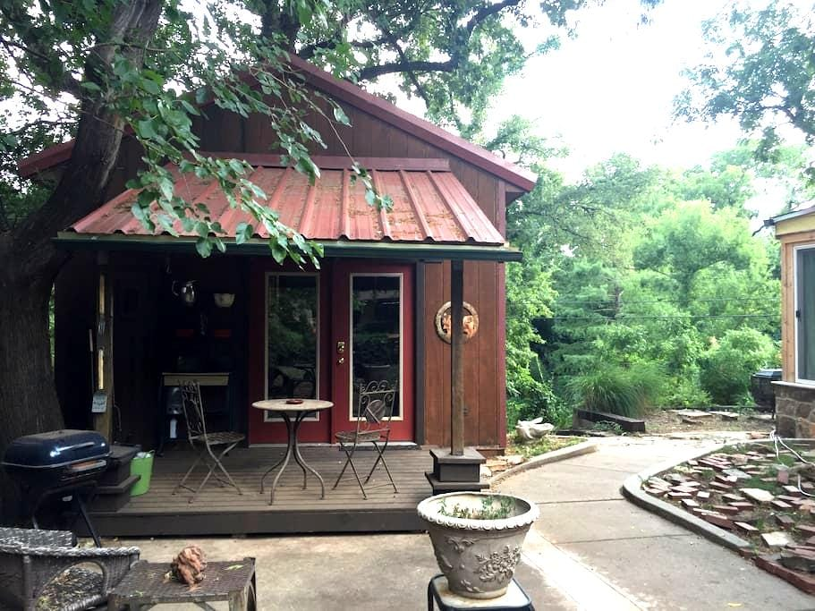 Cottage on the Creek - Oklahoma City - Cabin