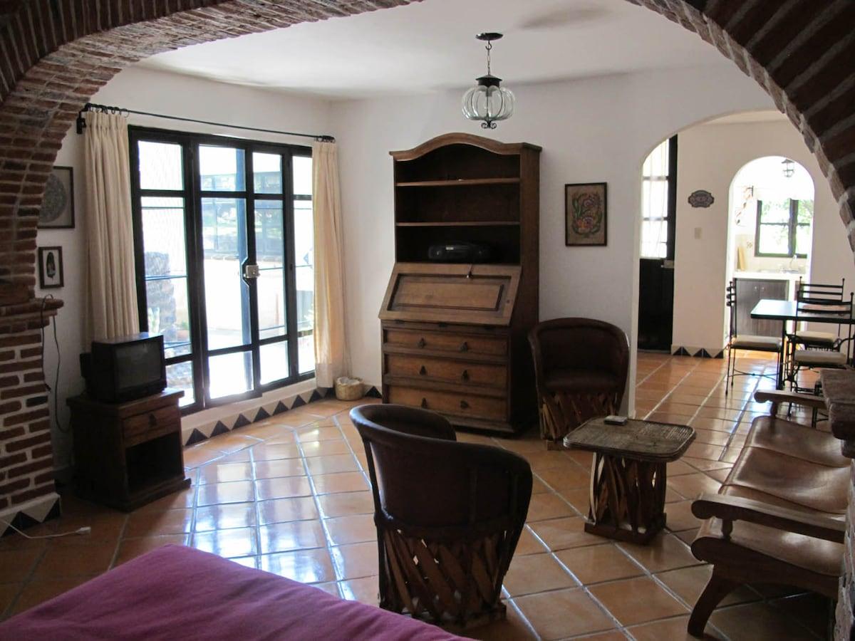 Cozy Mexican-style casita