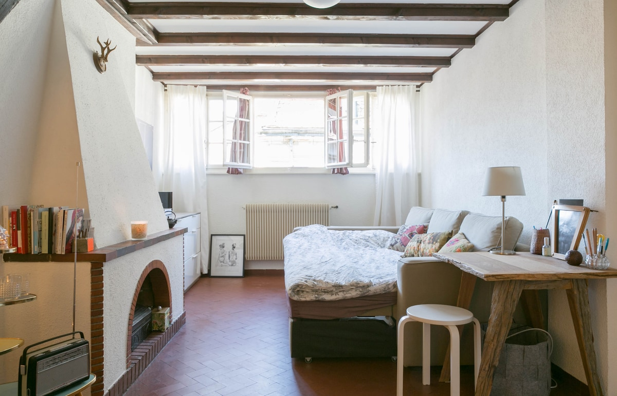Charming studio in the old city!