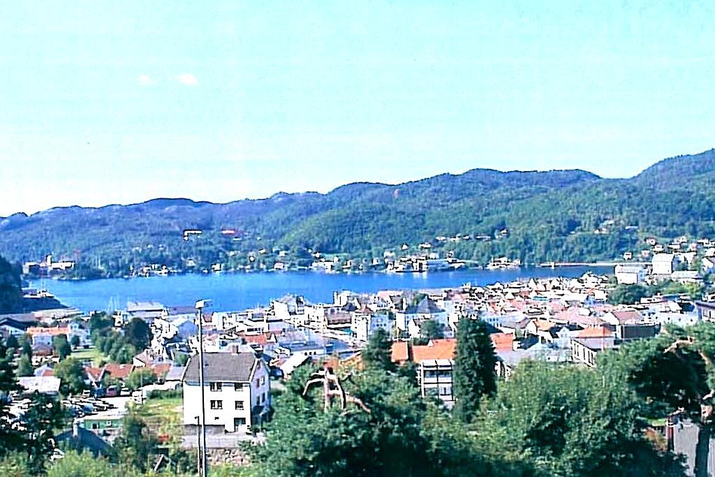 Soverom med en flott utsikt - Flekkefjord - Hus